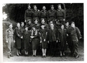 Helen Lloyd with Canadian soldiers in June 1945 (with kind permission of the SHC 5380/1/12/1)